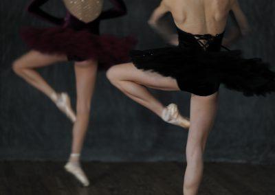 Emilie Vallon et Marguerite Bouvier dans un tutu Lili Style - crédit photo : Mario Sinistaj